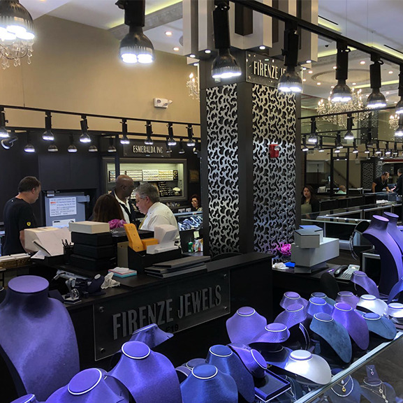 Watch Trading Co Opens a New Store in New York - MondaniWeb